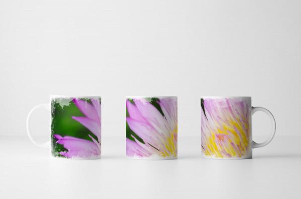 Tasse Nahaufnahme einer pinken Lotusblume