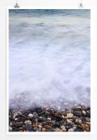 Strand mit bunten Kieselsteinen