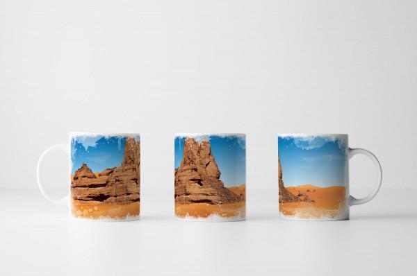 Tasse Sanddünen und Felsen Sahara Algerien