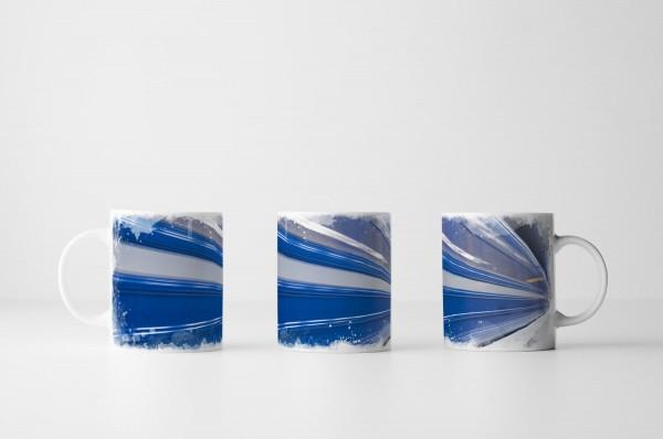 Tasse Einfahrende blaue Bahn