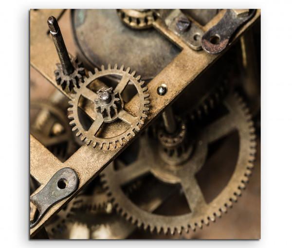 Leinwandbild Altes Uhrwerk im Detail und Nahaufnahme