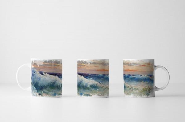 Tasse Pastellhimmel über wogendem Meer