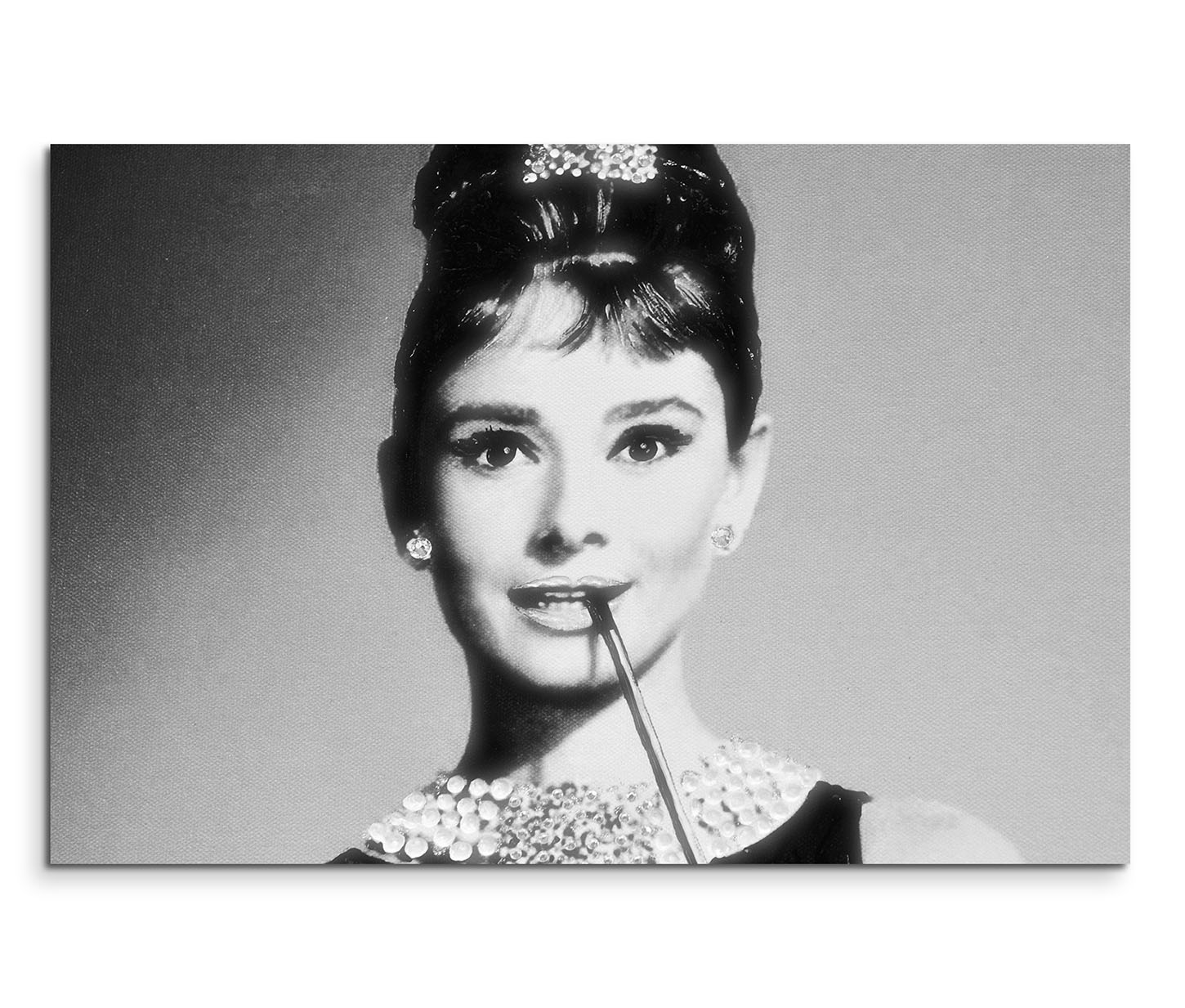 leinwandbild audrey hepburn portrait gesicht schwarz wei menschen foto leinwandbilder. Black Bedroom Furniture Sets. Home Design Ideas