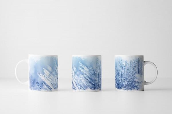 Tasse Eiskristalle im Licht