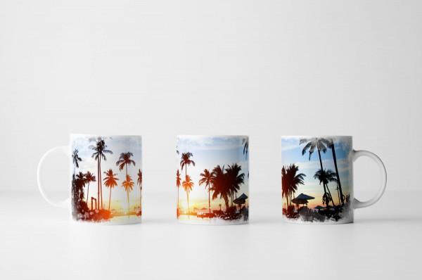 Tasse Tropischer Sonnenaufgang im Beach Resort