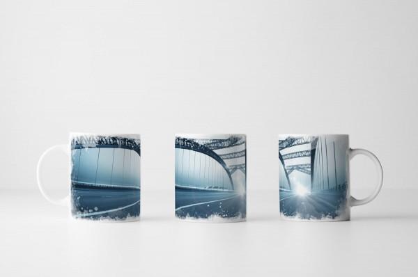 Tasse Moderne Brücke bei Nacht