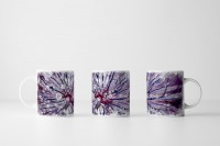 Tasse  Abstrakte violette Blumen mit Tau