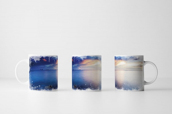 Tasse Sonnenaufgang über dem Ozean